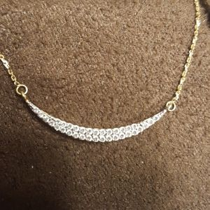 14k yellow gold necklace with curve bar pendant